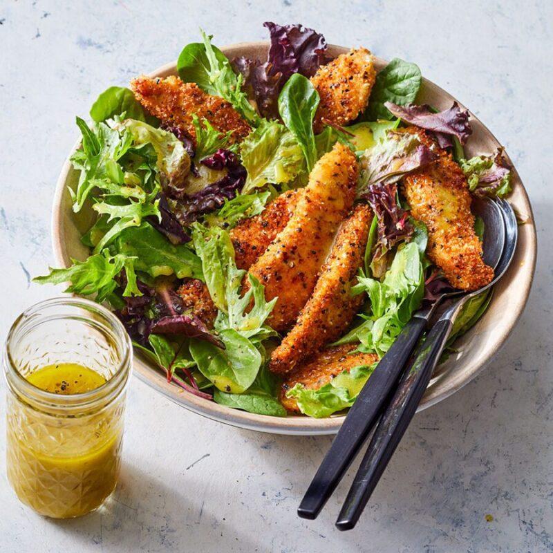 Receitas de frango caseiro com tudo tempero de bagel com salada