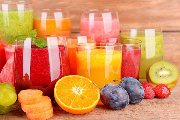 Pare de beber suco de frutas para perder gordura