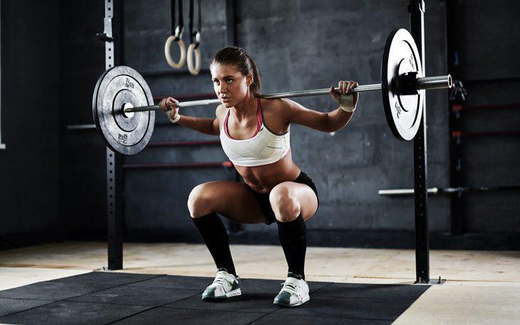 Realize treinamento de força (levante pesos)